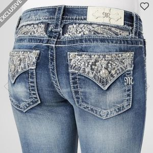 NWT Miss Me Signature Slim Bootcut Bling Jeans 29
